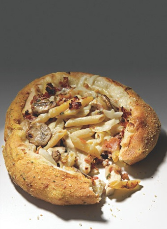 Domino's Chicken Carbonara Breadbowl Pasta (photo from menshealth.com)